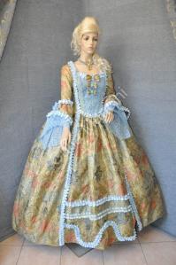 Costume-Femminile-del-700 (1)