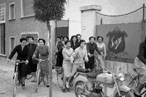 1953_sartine_lavoro_donne