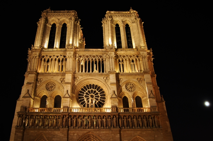 building-astonishing-notre-dame-cathedral-background