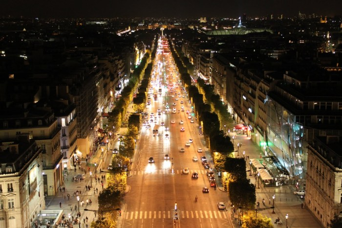 The busy shopping street in Paris, Avenue des Champs-Elysees