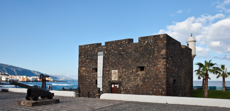 Castillo_San_Felipe,_Puerto_de_la_Cruz,_Tenerife,_España,_2012-12-13,_DD_01